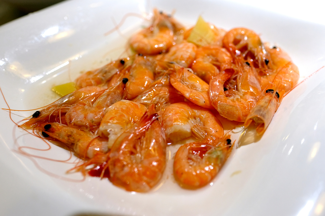 China dish with shrimp