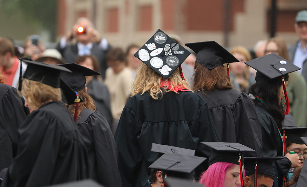 Caps at 2018 commencement