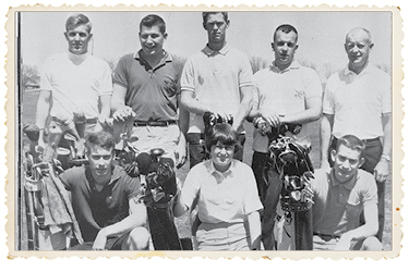 ViAnn Beadle '67 poses with the Grinnell men's golf team