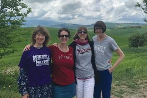 Four Grinnell friends in Italy